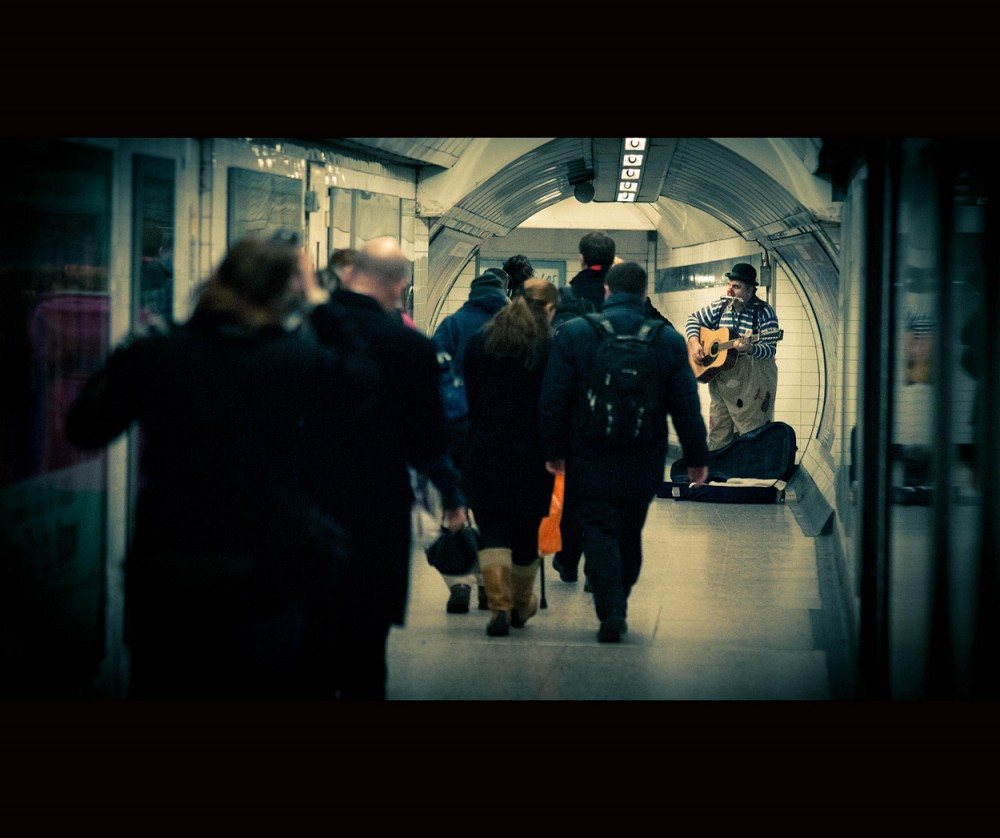 commuting in london street photography